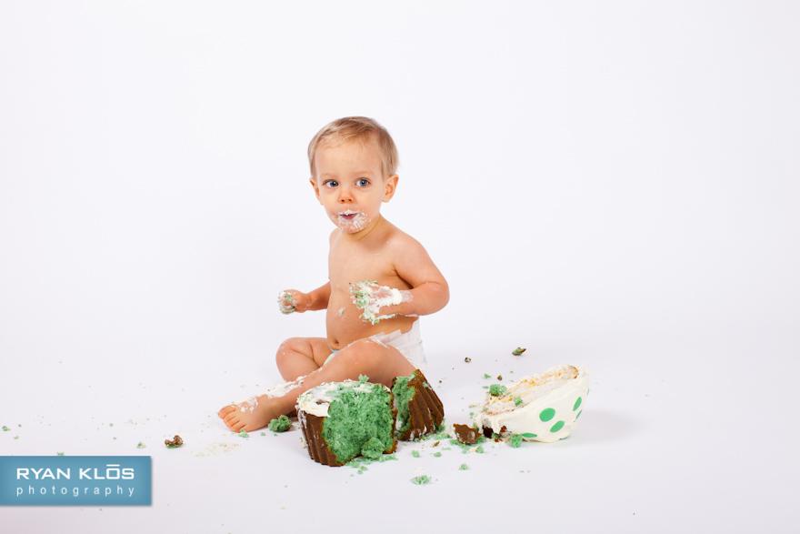 Smash-Cake Session | Ryan Klos Photography, Woodstock, IL portrait photographer.